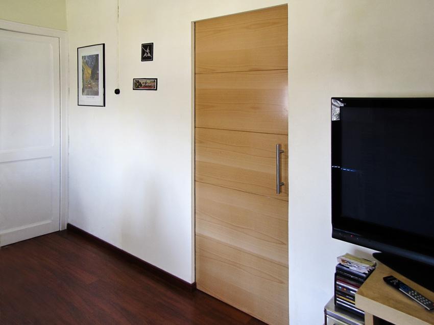 Puerta corredera sin obra good armario empotrado de puertas correderas en color blanco roto o - Rieles puerta corredera ...